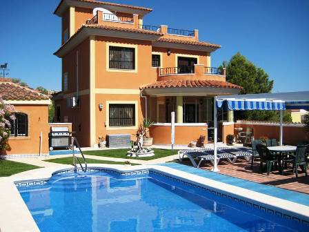 Quality and craftsmanship stand out in this spacious impeccably maintained detached family villa., Spain