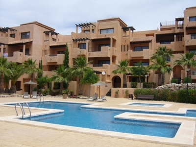 A 2 bedroom 2 bathroom luxury apartment ground floor with 2 sun terraces at the front and rear, en-, Spain