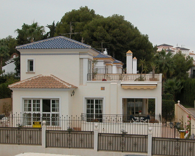 This delightful detatched house is in the most popular part of Villamartin. It must be viewed to ap, Spain