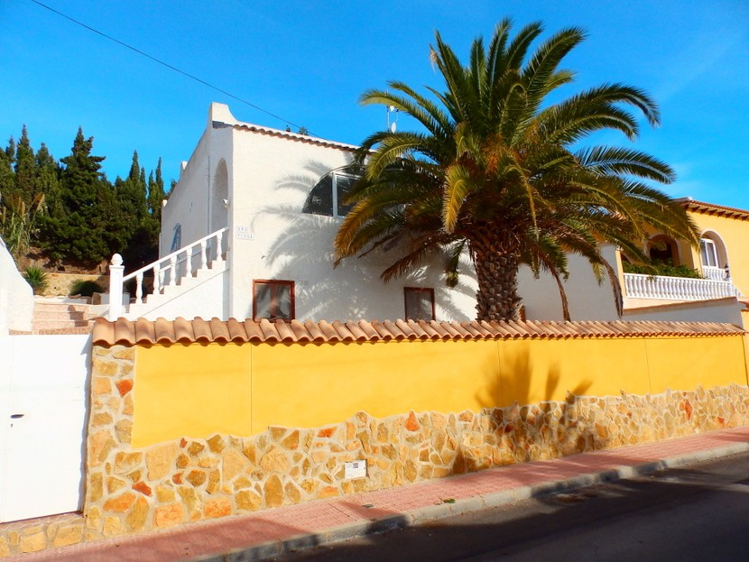 This converted 4 bedroom, 2 bathroom detached villa is located on the Blue Lagoon development betwe,Spain