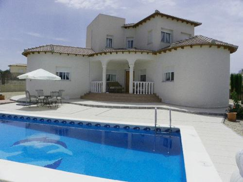 An attractive 3 bed 2 bath detached country villa on a large 2000m2 landscaped plot with fantastic , Spain