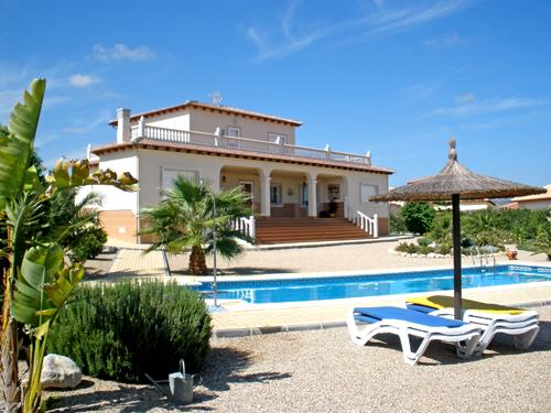 Desirable 4 bedroom 209m2 built detached villa on a beautifully landscaped 2000m2 level plot. Close, Spain