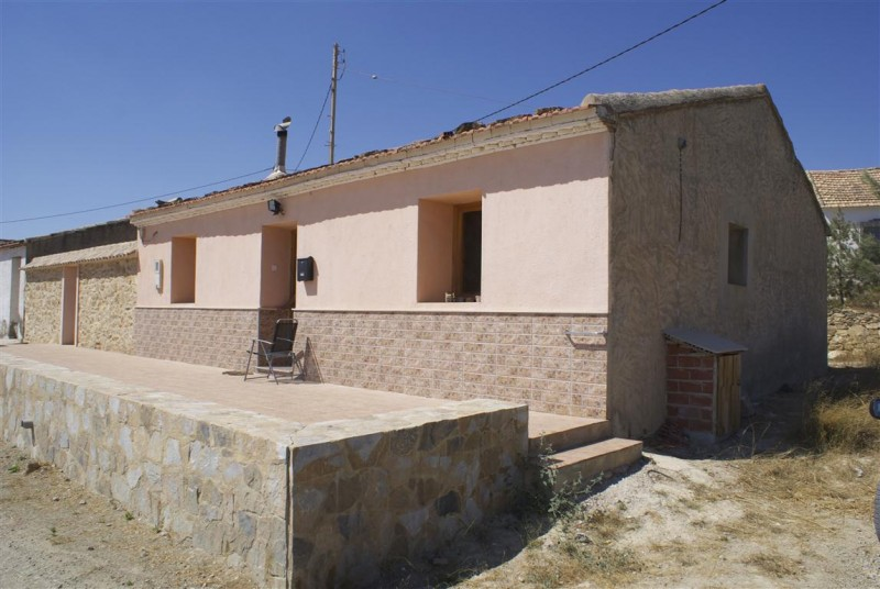 A great opportunity to buy a project in the sunshine! For only 150,000 Euros you can buy a 3 bedroo, Spain