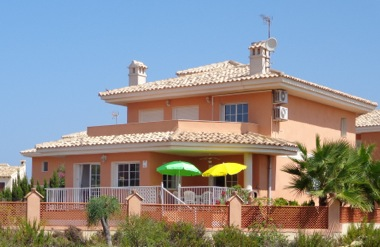 This is a beautiful property located at the beginning of the La Manga Strip and only a few minutes , Spain
