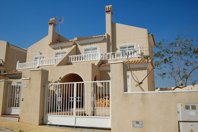 Superbly priced, three bedroom, two bathroom townhouse in El Galan, Villamartin which has never b,Spain